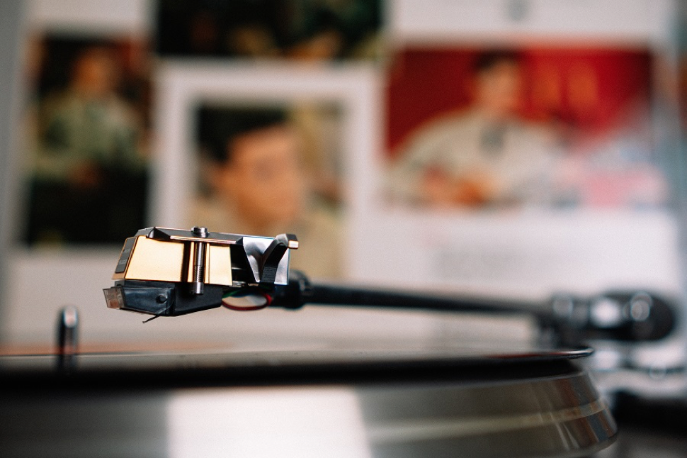 10 Holiday Vinyl Records to Enjoy on Your High-End Audio Rig
