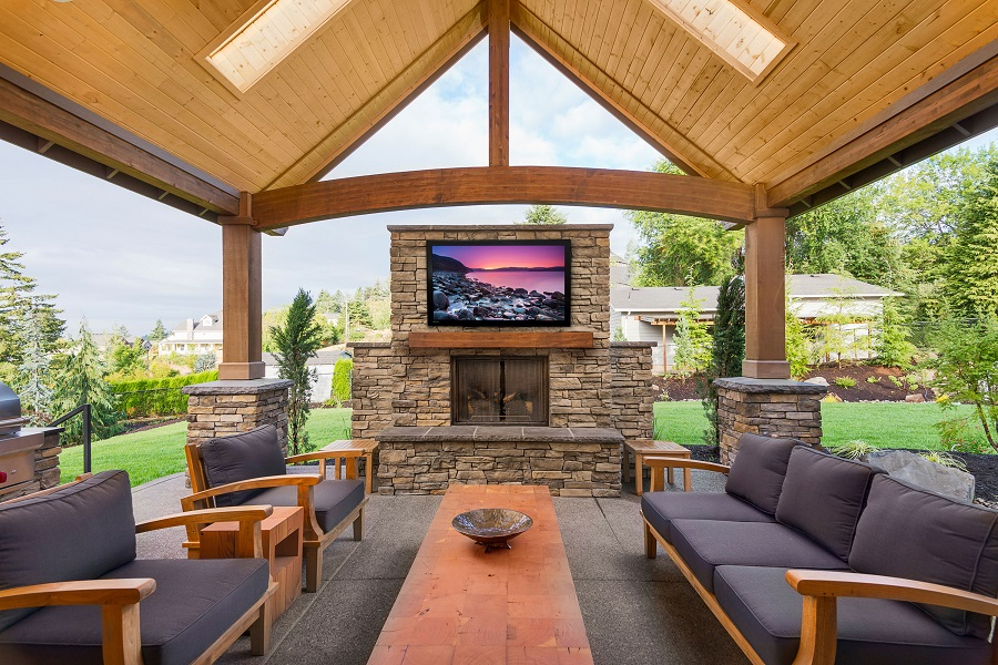 Are You Planning an Outdoor TV Installation This Spring?