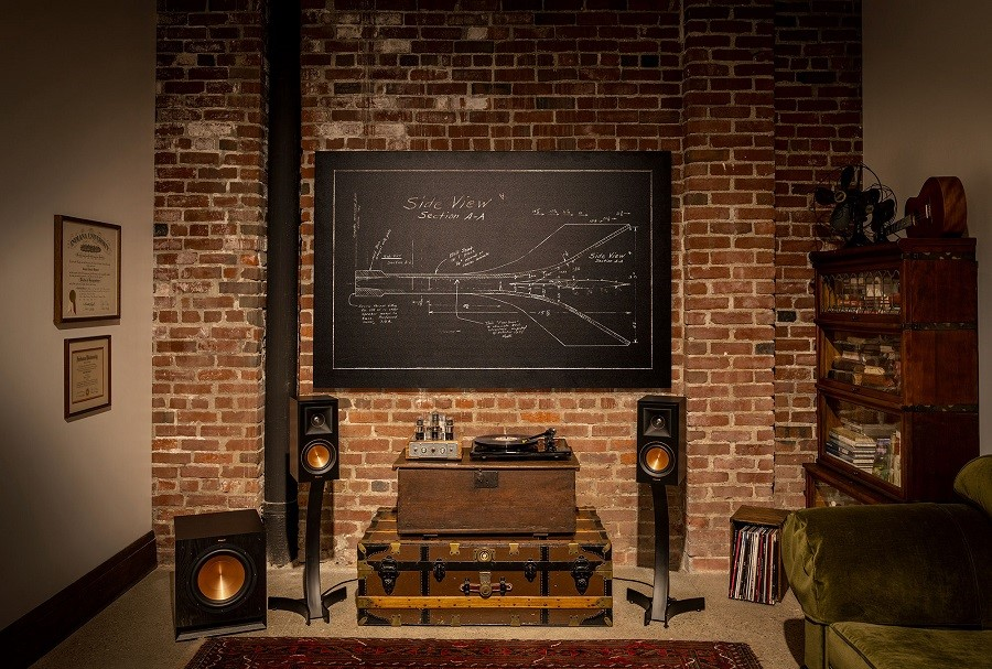An Overview of Klipsch RP-600M Speakers